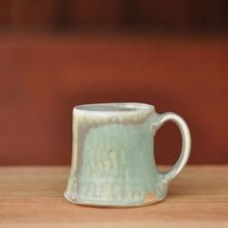 Monumental mug